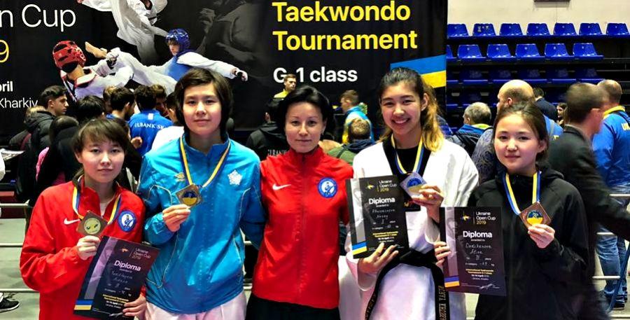 Қазақстандық таеквондашылар Украинадағы турнирде 12 медаль жеңіп алды