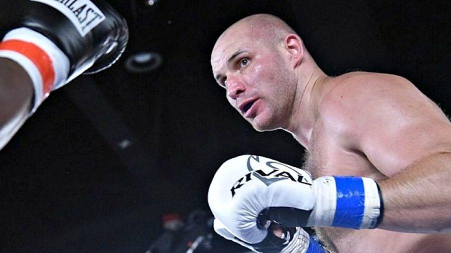 Иван Дычко 48 жасқа келген америкалық боксшымен жұдырықтасады