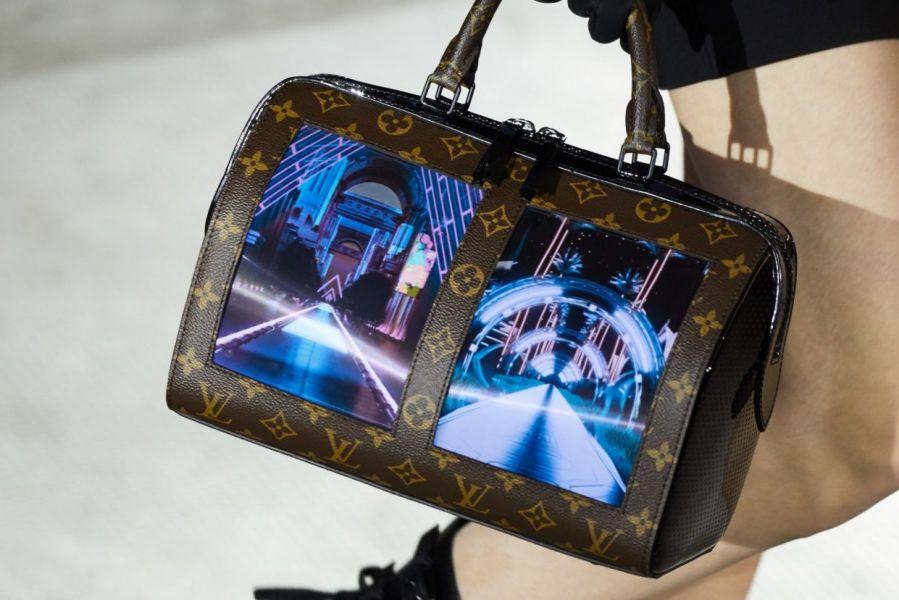 Louis Vuitton – 2020: Смартфон сөмке