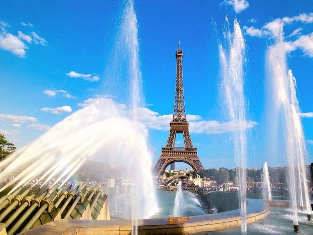 Париж  қаласы - армандар мен пәк сезімдер мекені