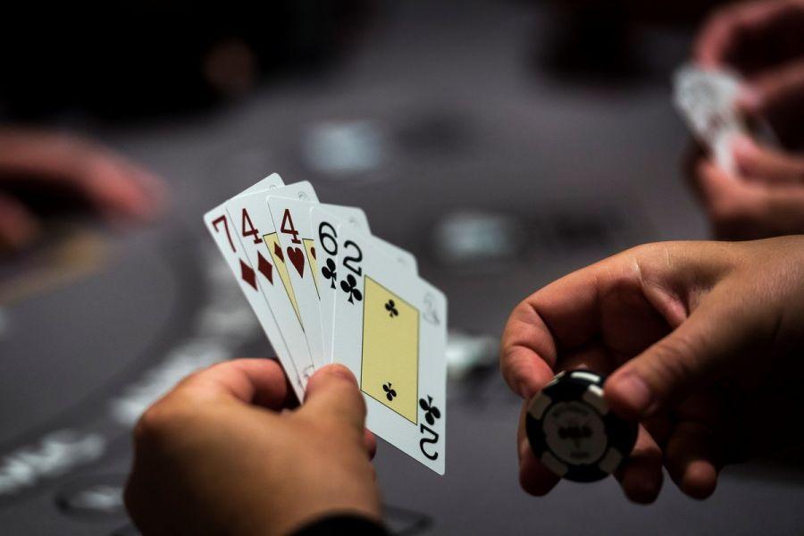 Facebook нейрожүйесі покер чемпиондарын жеңіп кетті