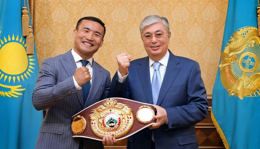 Мемлекет басшысы кәсіпқой боксшы Қанат Исламды қабылдады
