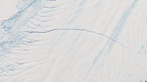 Антарктидада жаңадан үлкен жарық пайда болды