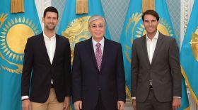Мемлекет басшысы әйгілі теннисшілер Рафаэль Надаль және Новак Джоковичпен кездесті