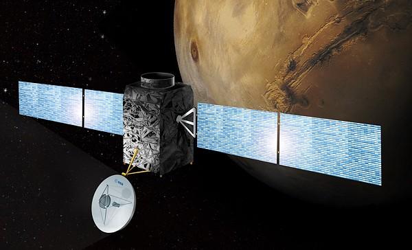 2012 жылы НАСА суретке түсірген екі НЛО