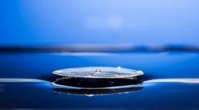Ғалымдар суға батпайтын металл ойлап тапты