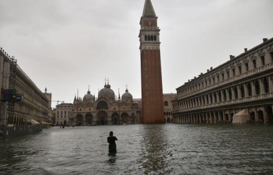 Дерт кешкендер жағалауы: Венеция әлі су астында