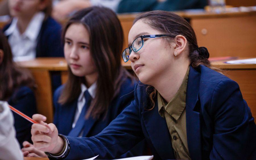 Алматының жоғарғы сынып оқушылары барлығына өз күшімен жетуді үйренді