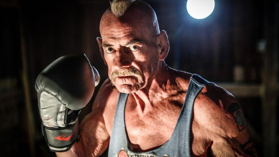 70 жастағы боксшы қарсыласын нокаутқа түсірді