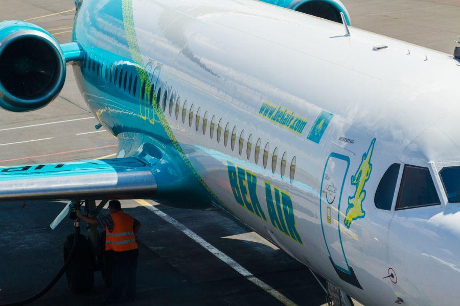 """Fokker 100. 23 жыл """"өмір сүрген"""" ұшақ"""
