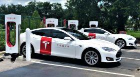 Tesla-ның құны 100 миллиард доллардан асты