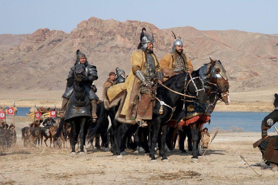 Алтын Орданың негізін қалаған кім?