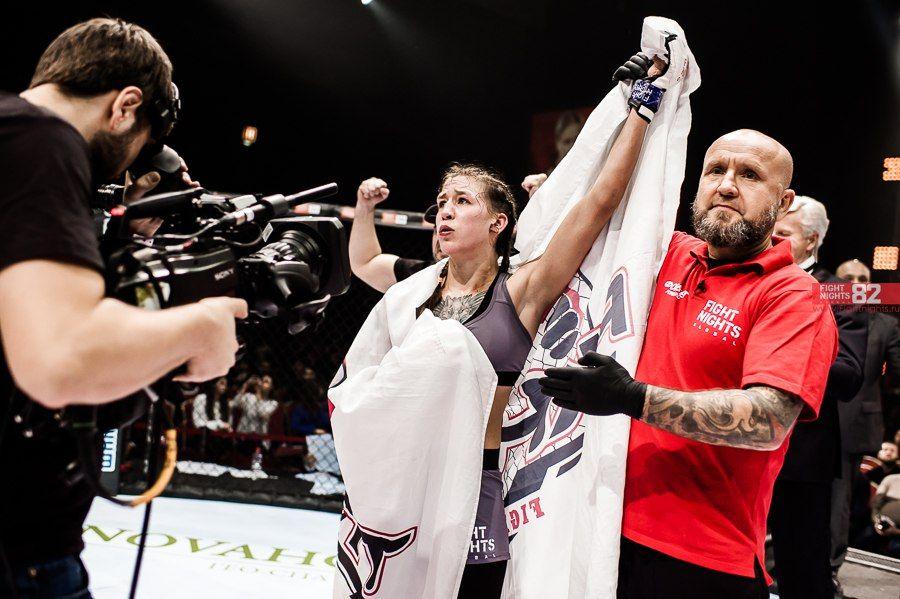 Қазақстандық спортшы қыз UFC-мен келісімшартқа отырды