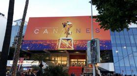 Канн кинофестивалі өтетін сарай баспанасыздарға пана болады