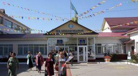 #Bizbirgemiz: Үмбетәлі Кәрібаев мектебі акцияға үн қосты