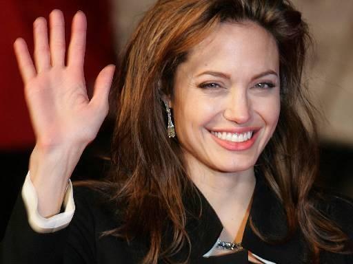 Балалары үшін Анжелина Джоли кинодан кетпек