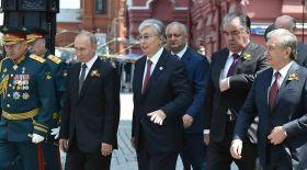Қазақстан Президенті Жеңістің 75 жылдығына арналған әскери парадқа қатысты
