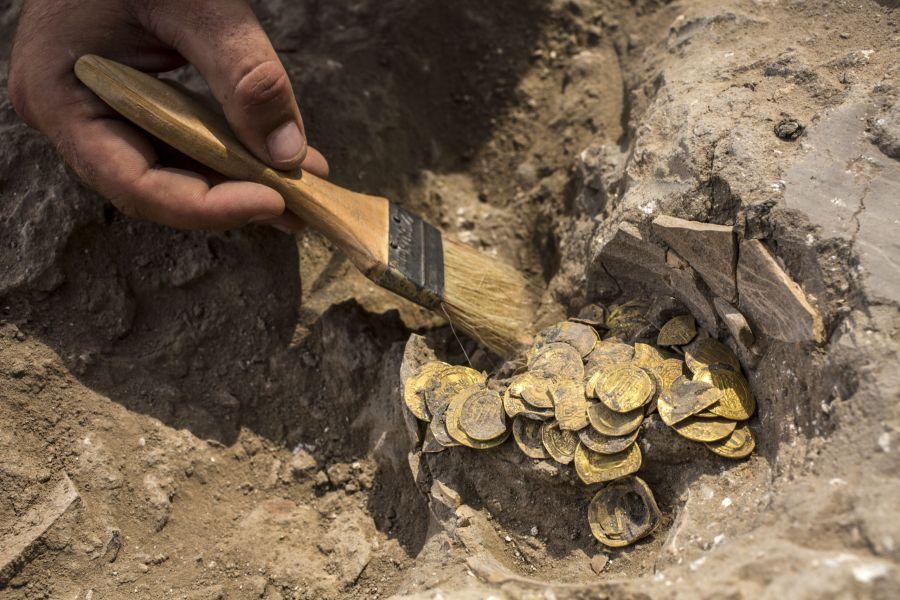 Израильде мың жылдық қазына табылды