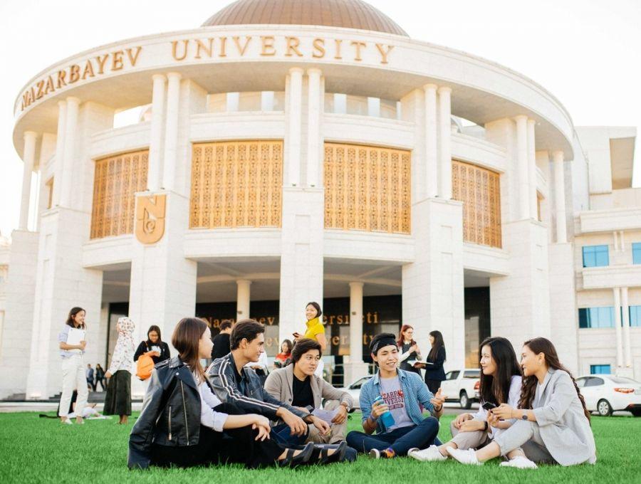 """Назарбаев университетінің """"Foundation"""" бағдарламасының емтиханы қалай өтеді?"""