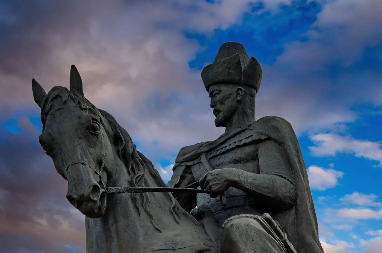 Кенесары-Наурызбай – батырлық эпос үлгісімен жазылған тарихи-реалистік жыр