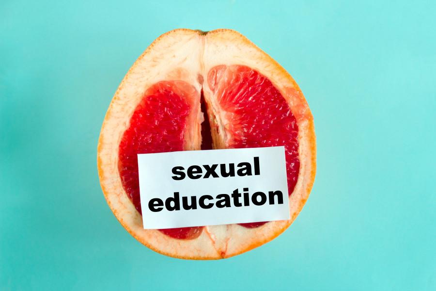 Жасөспірімге арналған фильмдердегі секс: Жыныстық сауаттылық сабақтары керек пе?