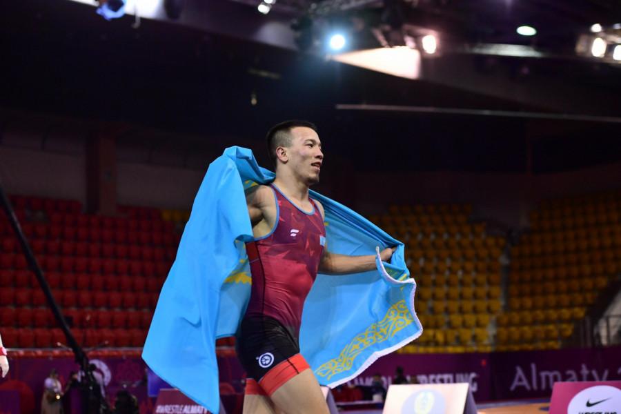 Азия чемпионаты. Айдос – алтын, Алмат күміс медаль еншіледі
