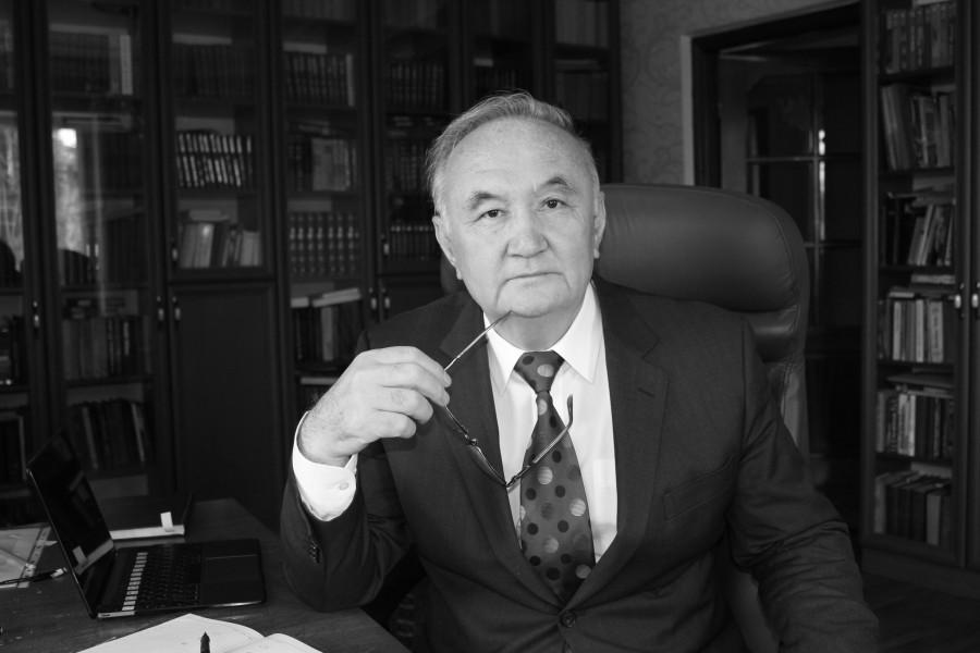 Есенғали Раушанов қайтыс болды