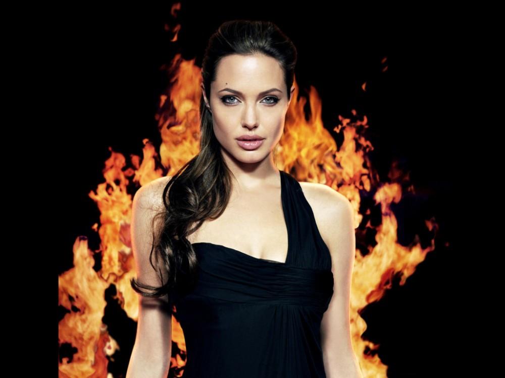 Анджелина Джоли соғыс туралы кино түсірмек