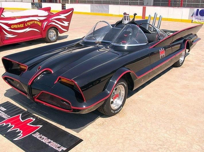 Бэтменнің көлігі 4,6 миллион долларға сатылды
