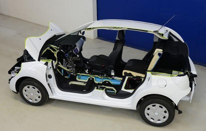 Peugeot сығылған ауамен жұмыс жасайтын гибридті қозғалтқышын таныстырды