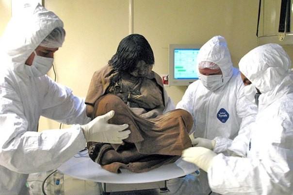 Қыздың мумиясы зерттеліп жатыр