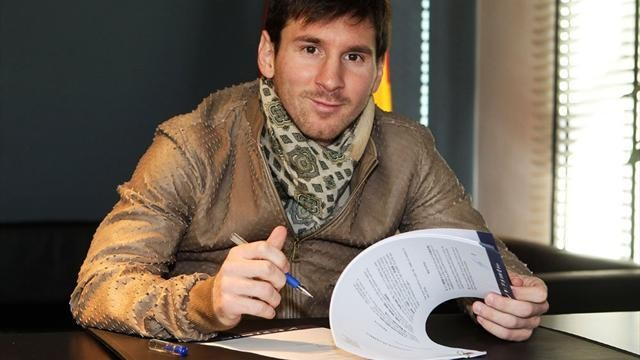 Месси «Барселонамен» келісім-шартын ұзартты