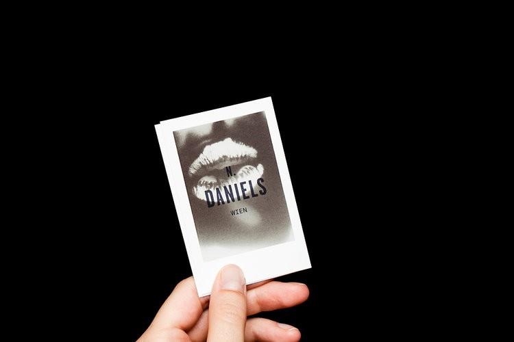 Сезімтал визит карточкасы