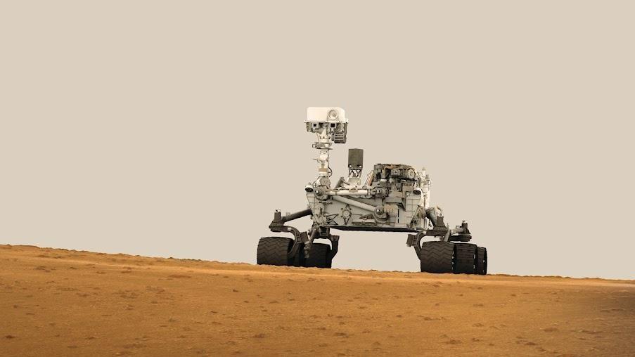 Curiosity марстық тастарды зерттеп жатыр