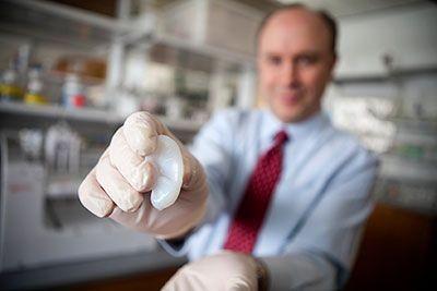 Биоинженерлер жасанды адам құлағын жасап шығарды