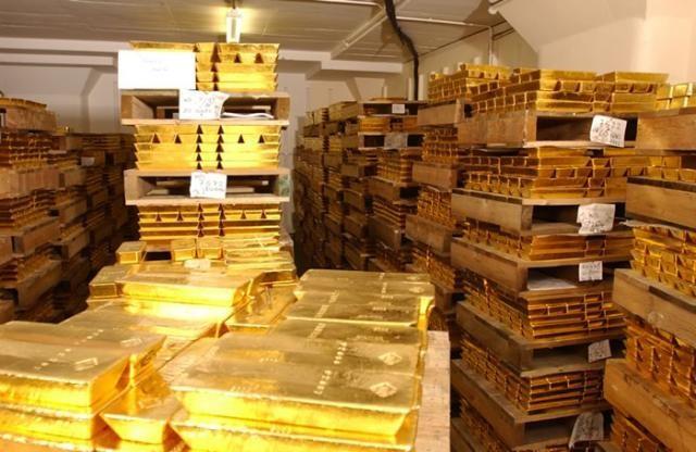 Ұшақтан бір тонна алтын табылды