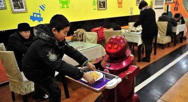Роботтың қолынан дәм татыңыз!