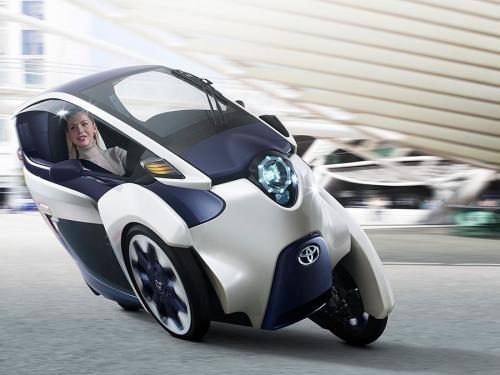 Toyota үш дөңгелекті i-ROAD көлігін таныстырды