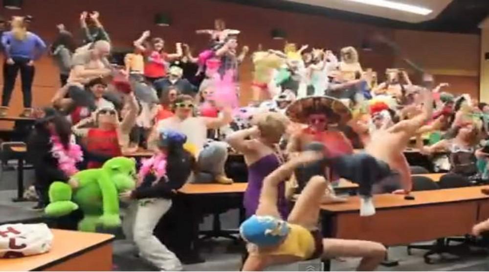 Harlem Shake билеген қарағандылық студенттер оқудан шығарылды