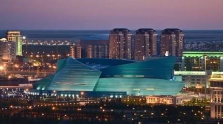Астаналықтар Әлия Әбікенованың әндерін тыңдайды