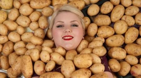 Тек қана картоп жейтін әйел