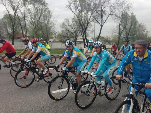 Алматы көшесіне кеше 1300 велосипедші шықты