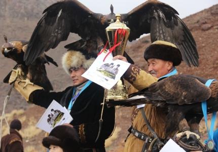 Нұра ауылында құсбегілердің республикалық турнирі өтті