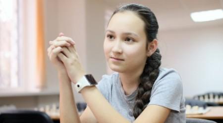 哈萨克斯坦明星都就读于哪些大学图片